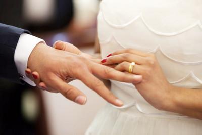 男友鑽戒求婚!她知真相崩潰:這枚前任的