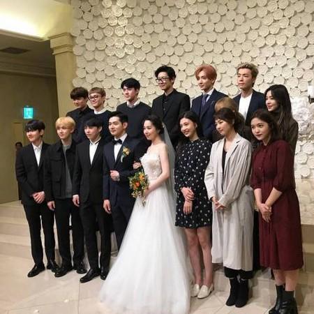 ▲南韓聲樂老師張振英結婚,SM偶像全到齊。(圖/翻攝自IG)