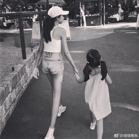 ▲任達華女兒12歲就有170公分。(圖/翻攝自任達華IG、琦琦微博)