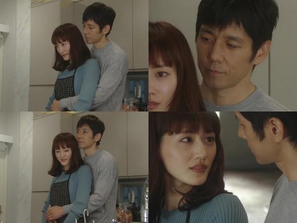 ▲綾瀨遙廚房做晚餐,老公背後摸腰「妳變緊實了」。(圖/翻攝自NTV直播)