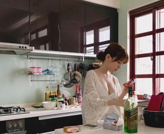 我的關鍵詞 長榮正妹空姐Fafa賢慧做料理... 正妹,空姐 娛樂 d2889837