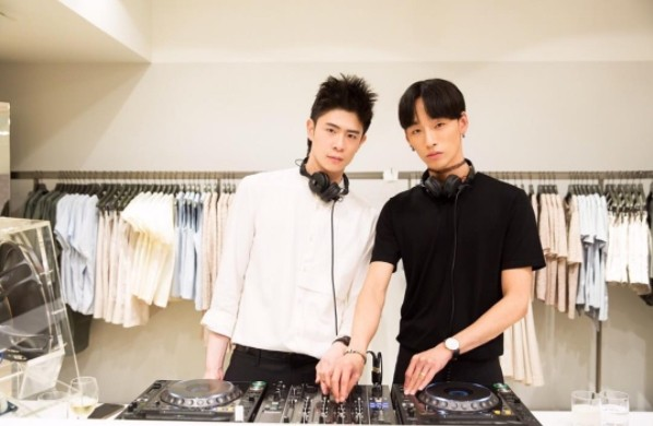 ▲Takki和Noah相差3歲,從朋友逐漸變成情侶,現在還組團當DJ。(圖/翻攝自Takki、Noah的IG)
