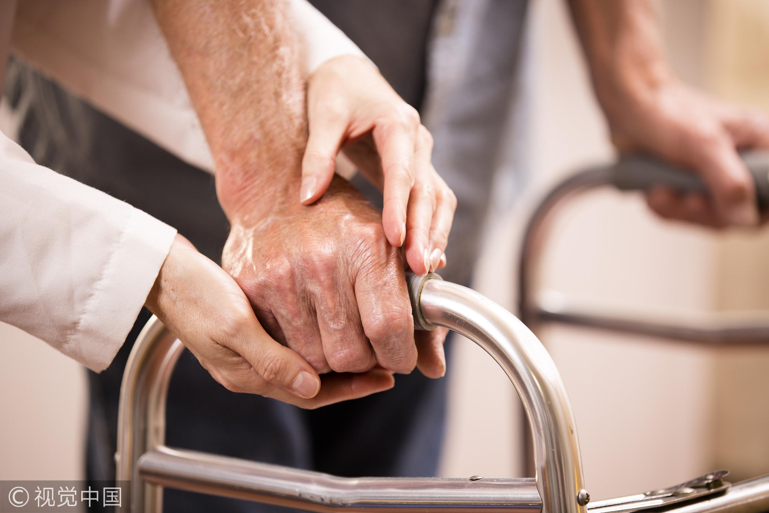▲老人,老太太,老奶奶,老婦,手,老人的手,示意圖。(圖/CFP)
