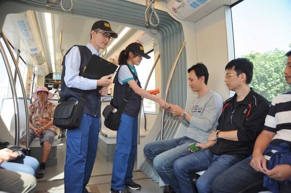 ▲▼高雄輕軌11月1日起正式收費營運。(圖/高雄市政府提供)
