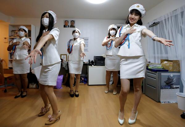 ▲▼▲先軍少女團長對北韓著迷。(圖/路透社)