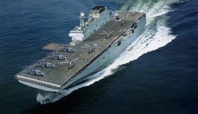 075型兩棲攻擊艦出塢下水 上海江面禁航