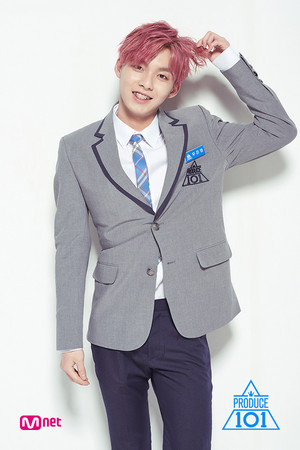 ▲禹真榮曾參加《Produce 101》第二季。(圖/翻攝自Mnet、禹真榮IG)
