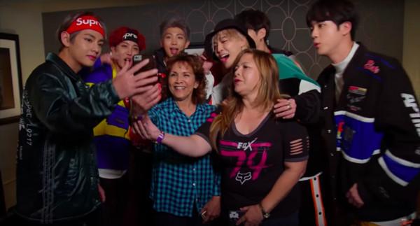 ▲防彈少年團參加Jimmy Kimmel秀,粉絲被惡整。(圖/翻攝自ABC)