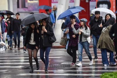 低壓帶挾雨!氣象局:周四起雨更多
