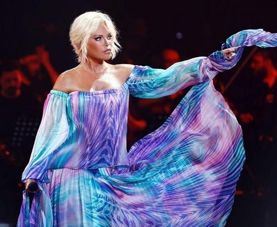 ▲▼土耳其71歲「美魔女」歌手艾達佩肯(Ajda Pekkan)。(圖/翻攝自ajdapekkan IG)