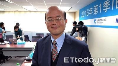 顧立雄:金融研訓院院長由黃崇哲升任
