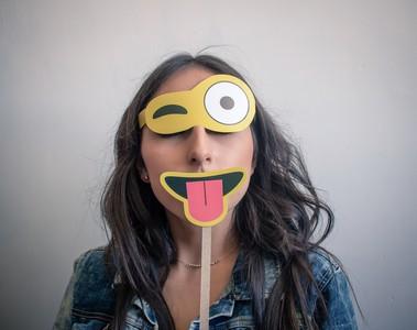 5分鐘內就能讓人喜歡你!社交必備技巧:微笑、眼神接觸是關鍵