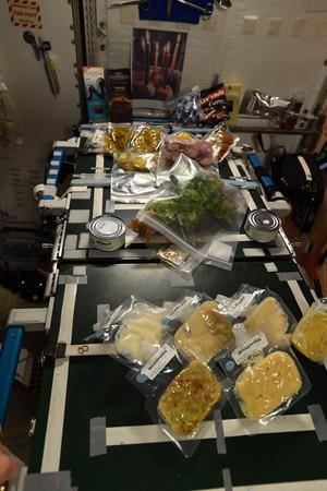 ▲國際太空站的太空人們過感恩節。(圖/翻攝自推特@Space_Station)