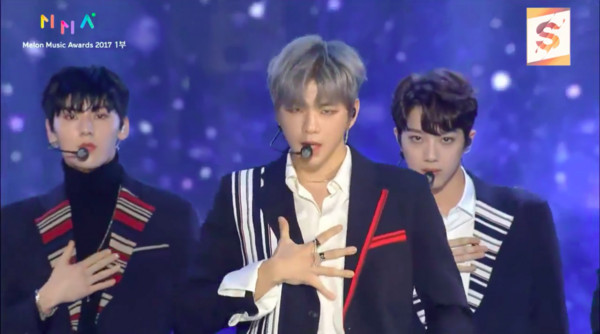 ▲2017MMA(MelOn Music Awards)頒獎典禮表演WANNA ONE。(圖/翻攝自MBC)