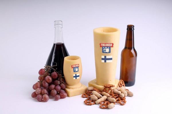 ▲慶祝芬蘭建國一百周年,業者推出要價15萬台幣的「手工奶酪」酒杯。(圖/翻攝自臉書/Finlandia Cheese Inc)