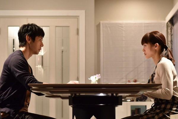 ▲西島秀俊表明身分,希望老婆綾瀨遙不再插手管閒事。(圖/翻攝自推特)