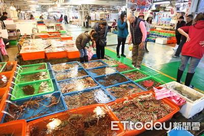 手機支付進市場 魚販兒憶自卑過去