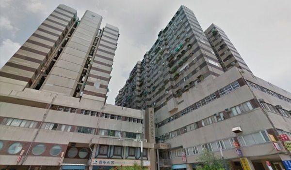 ▲▼隱藏在寧靜小鎮「奪魂杆」,每過一段時間...就有人在此自縊(圖/翻攝自Google街景)