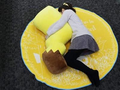 超治癒大型皮卡丘尾巴抱枕!抱著跟皮卡丘一起冬眠吧zZ