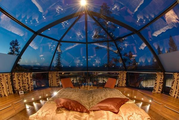 ▲能躺著看極光的芬蘭冰屋Levin Iglut(圖/翻攝自Levin Iglut - Golden Crown & Restaurant Aurora Sky Facebook)