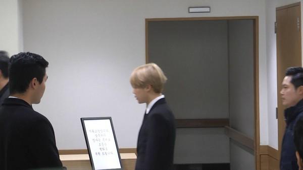 ▲防彈少年團抵達鐘鉉靈堂(圖/達志影像)