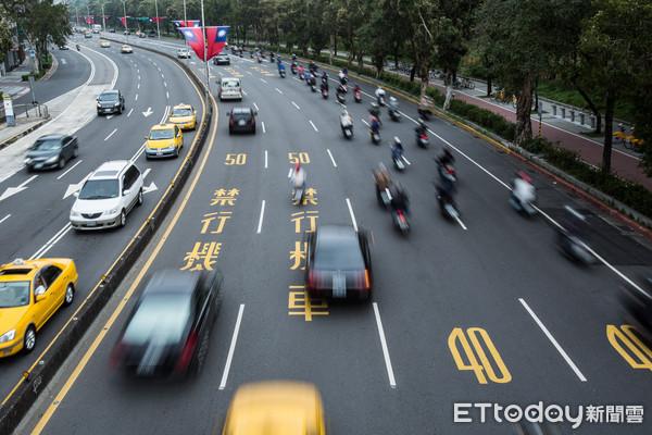 ▲▼車潮,車流,交通,通勤(圖/記者季相儒攝)