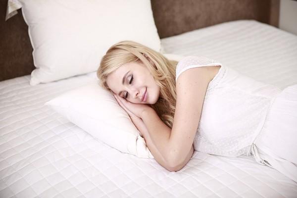 ▲睡眠是降低压力好方法,充足的睡眠可以战胜压力痘。(图/翻摄自pixabay)