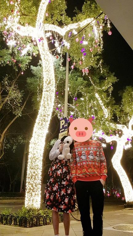 ▲▼孟耿如、黃子佼甜蜜過聖誕節。(圖/翻攝自孟耿如、黃子佼臉書)