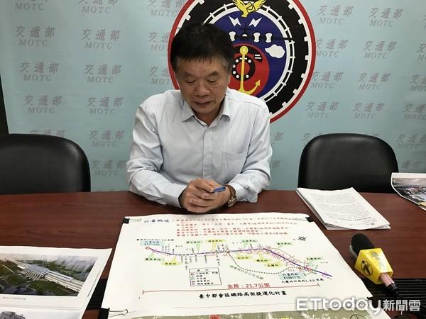 ▲鐵工局說明台中鐵路高架化。(圖/記者賴文萱攝)