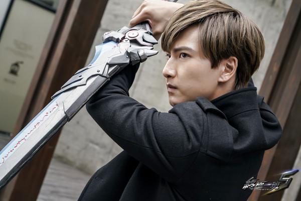 ▲▼Evan飾演的藍斯洛武器是鬼狼刀。(圖/可米)