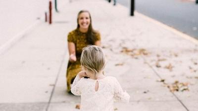 「不能把妳當親生的」一封寫給養女的信,展現偉大母愛