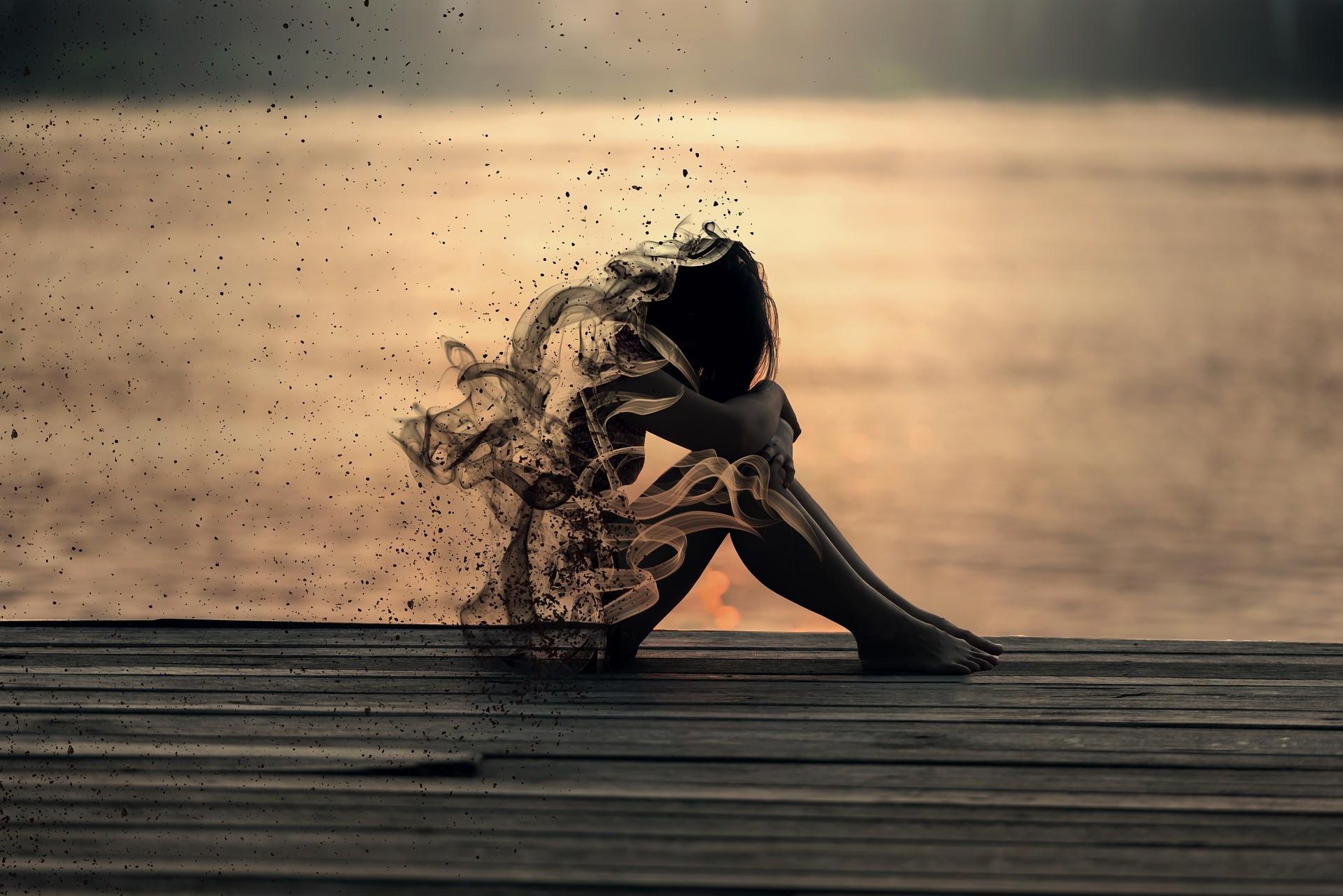 ▲▼性侵,女孩,女人,崩潰,消失,孤單,心情,寂寞。(圖/翻攝自pixabay)