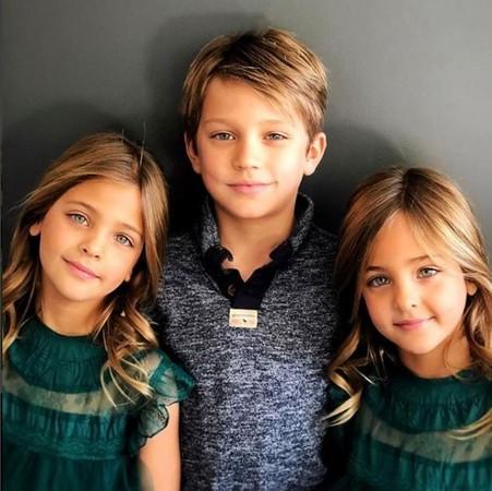 ▲▼7歲姊妹被封「世上最美雙胞胎」。(圖/翻攝自clementstwins facebook)