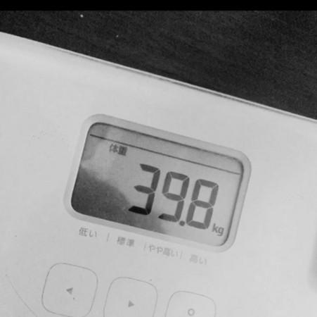 ▲邵雨薇只有39.8公斤。(圖/翻攝自邵雨薇IG)