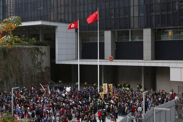 ▲▼香港一地兩檢爭議持續,泛民派遊行反對。(圖/路透社)