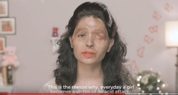 ▲▼印度網紅Reshma口紅教學影片藏洋蔥。(圖/翻攝自YouTube/makelovenotscarsorg、Indiegogo)