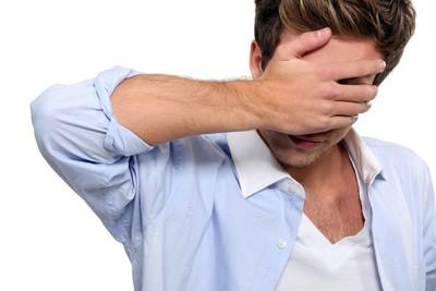 起床眼前一片黑...6大「眼中風」危險因子你中了?