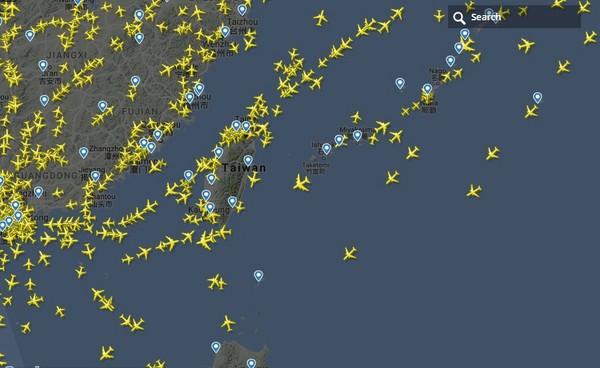 ▲▼陸方片面啟用M503航線,民航局:恐有飛安疑慮。(圖/截自flightradar24網站)