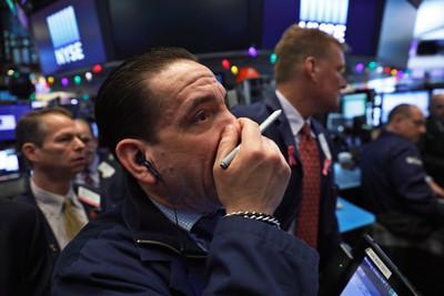 避險基金正逃離股市但速度不夠快 美股利空再加一
