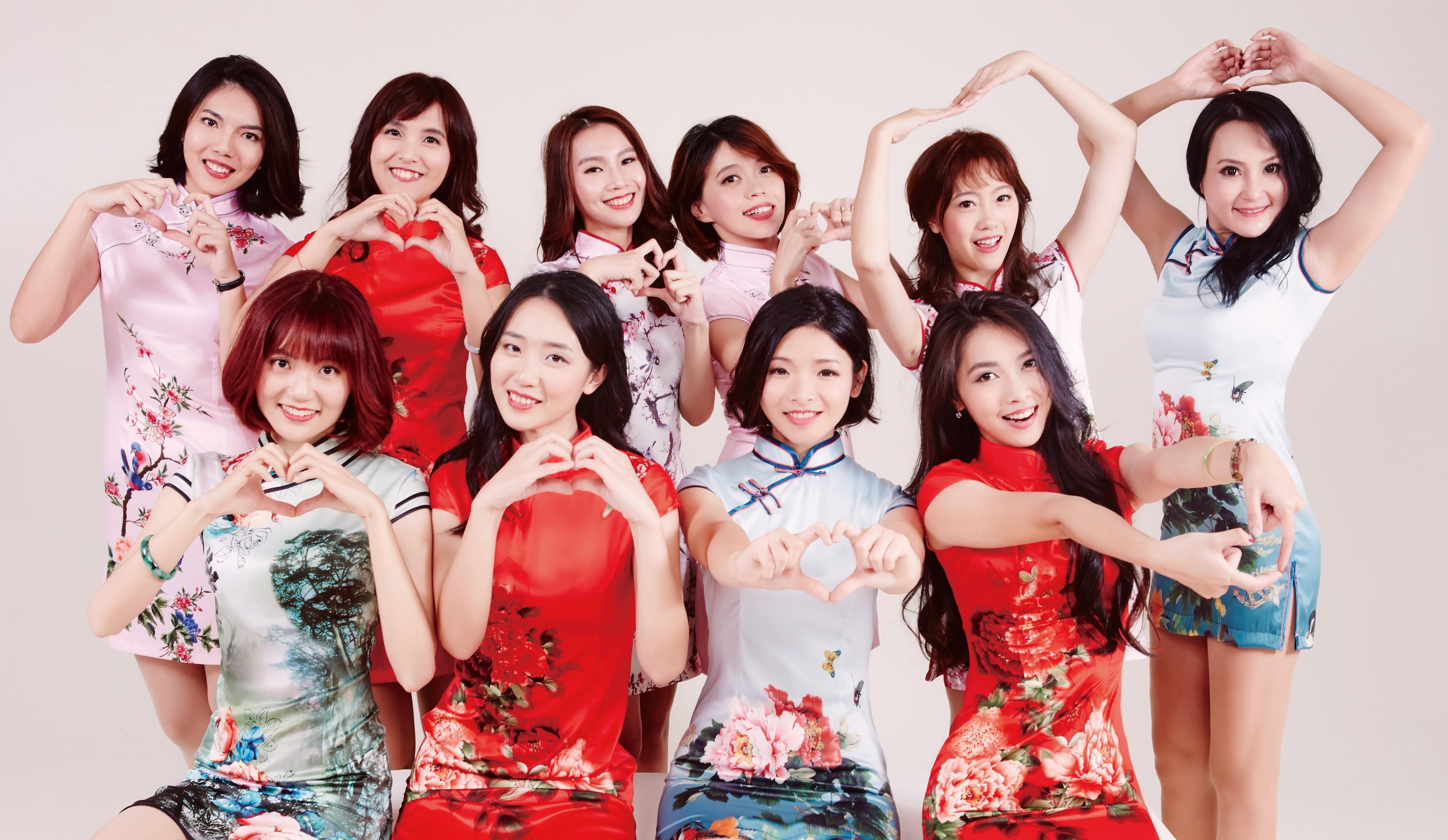 ▲民政局10位正妹組成「新北twice」。(圖/民政局)