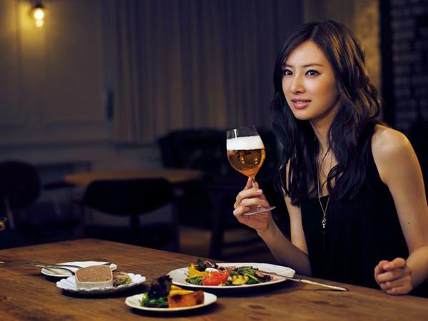 ▲日本5女星被稱酒豪。(圖/翻攝自日網)