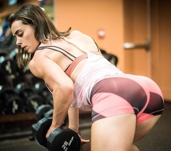 ▲美國海軍陸戰隊獸醫凱特琳,臉蛋俏麗,身材超級健美。(圖/翻攝自catlin instagram,下同)