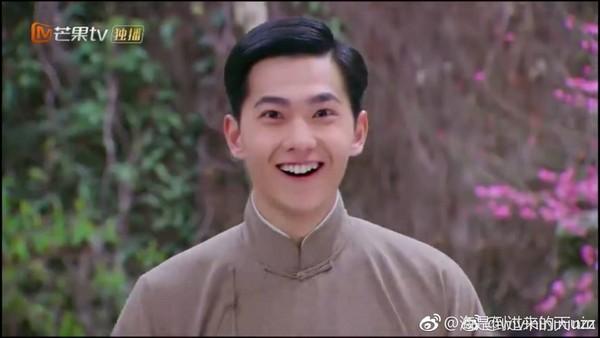 ▲1月眾多網路劇中,楊洋的舊作《繭鎮奇緣》萌笑表情掀起討論。(圖/翻攝自《繭鎮奇緣》微博)