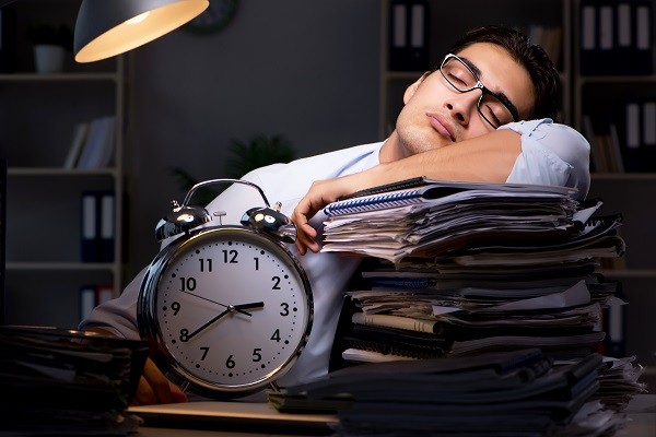 失眠,睡覺,睡眠,熬夜,夜貓子,睡不飽(圖/達志/示意圖)