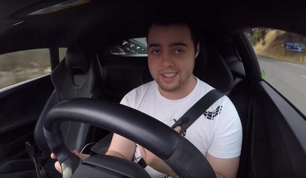 保養一次現噴新台幣25萬元 養頭藍寶堅尼小牛很燒錢(圖/翻攝自Vehicle Virgins Youtube)