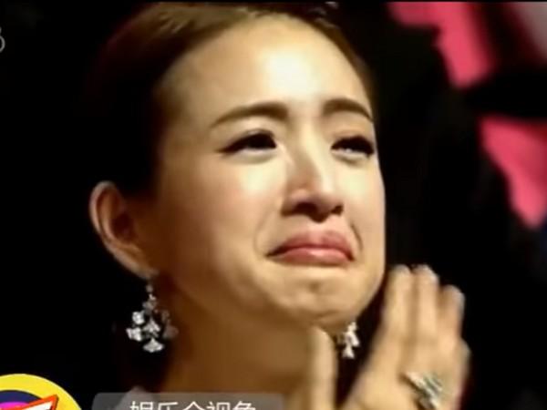 ▲▼林依晨2016年,在金馬獎典禮被拍到當場大哭的模樣;孫儷多次在演出作品痛哭的樣子,臉部糾結連老公都會截圖調侃,真性情也讓她博得不少好評。(圖/翻攝自YouTube)