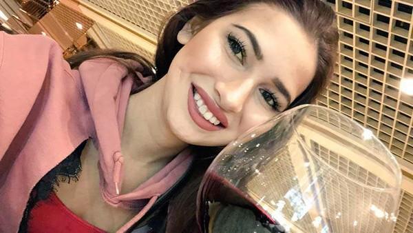 ▲▼美國20歲的A片女星Olivia Nova,離奇死在家中。(圖/翻攝自推特)