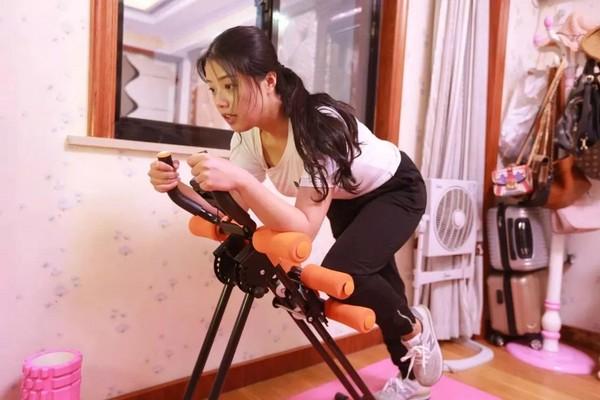 ▲▼23歲浙江護士倩倩從180斤瘦身為118斤。(圖/翻攝自都市快報)