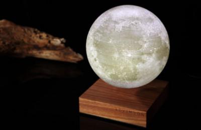 漂浮月球燈讓家裡變成小宇宙