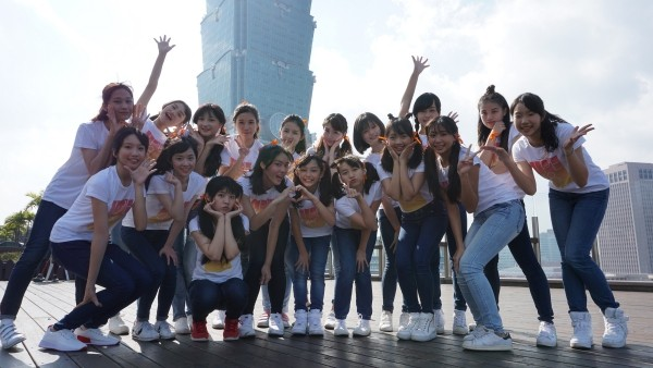 ▲TPE48第三階段審查生,錄製徵選形象歌曲《向前走》影片。(圖/紅杉娛樂提供)